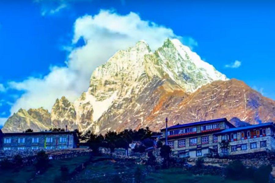 Munții Himalaya – drumeție pe acoperișul lumii