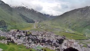 Vedere asupra Alpilor elvețieni, din Glacier Express